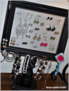 Frame Pedestal for jewelry organization and display. Great tutorial.