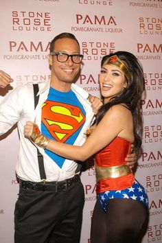couple halloween costumes -superman and Wonder Woman Check out these awesome couple Halloween costumes that you should be rocking this Halloween. We also fill you in on each superhero's abilities and strengths. Costume Halloween, Cute Costumes, Super Hero Costumes, Adult Halloween, Halloween Outfits, Halloween Couples, Couple Halloween Costumes For Adults, Couple Costume Ideas, Halloween College