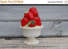 Vintage Sugar Bowl, Strawberry Sugar Bowl, Ceramic Sugar Bowl, Ardco Sugar Bowl, Strawberry Ceramics, Red and White Bowl, Strawberry Decor