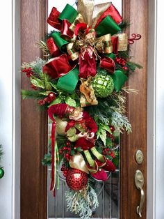 Christmas door swag Designed by Janete Luckenbach