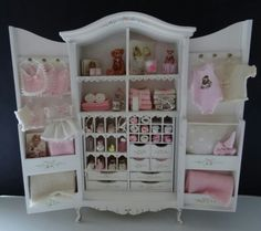 Baby cabinet made by Jolanda Knoop