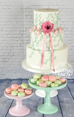 Wedding cake Royal icing macarons