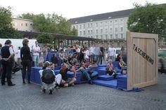 taschenkino - Cinema portatil en la ciudad // portable space for community engagement