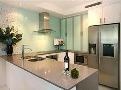 Modern u-shaped kitchen design using stainless steel - Kitchen Photo 220926