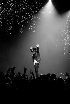 Justin Bieber First Artist Hits 3 Billion Youtube Views