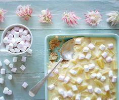 Pineapple-and-marshmallow fridge tart Pineapple Cheesecake, Pineapple Tart, Cheesecake Desserts, Tart Recipes, Brunch Recipes, Sweet Recipes, Dessert Recipes, Marshmallow Desserts, Bread Shop