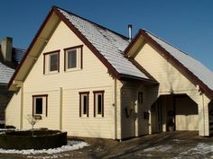 fi: This modern Finnish wooden house is a project located in Netherlands. The house is made of laminated log and fit very well to the urban environment. House Made, Log Homes, Logs, Netherlands, Beautiful Homes, Cabin, Traditional, House Styles, Building