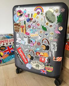 Pin for Later: 18 Trusty Travel Tips to Steal From Your Favorite Style Bloggers Customize Your Luggage Whether it's with stickers or a simple ribbon, give your suitcase a personal twist so that it's easy to spot at baggage claim.