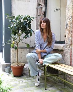 more Caroline style inspiration + fashion + beauty here http://goo.gl/xcwBIs @bellamumma