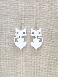 Cute cats earrings which will make all you cat-lovers smile! :)      • Original design  • Light weight material  • 3 mm thick laser cut acrylic