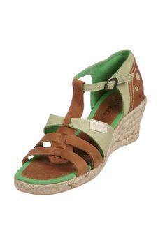 Venda Kickers / 9256 / Mulher / Sandálias Trendy / Sandálias de Couro Spadali Camel e Verde. 29