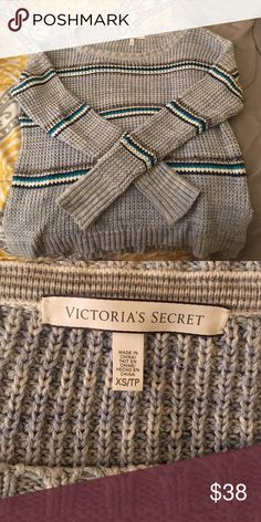 Victoria's Secret Sweater 💙 Super stylish sweater, perfect for that comfy casual look! Pairs well with dark denim and it's the perfect fall/winter sweater. Runs big. Victoria's Secret Sweaters Crew & Scoop Necks