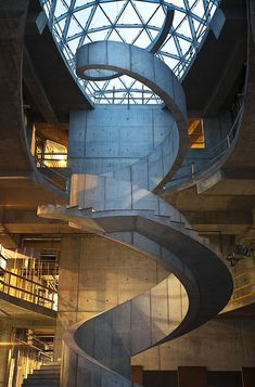 Salvador Dali museum staircase in St. the spiral staircase references Dali's fascination with DNA as well as the abstract. Cultural Architecture, Architecture Cool, Museum Architecture, Salvador Dali Museum, Escalier Design, Stair Steps, Stair Treads, Stair Banister, Stairway To Heaven
