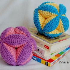 Baby clutch ball crochet pattern