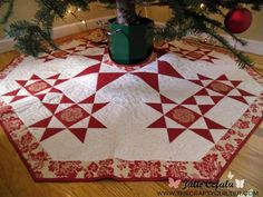 I was slightly traumatized after the holidays when putting away my decorations. Even though I've heard of a bleeding quilt, I was surprised when it showed up under my Christmas tree. My red and cream