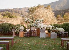 06-ceremony-altar-ideas-flowers.jpg