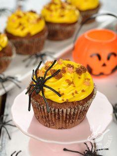Cupcakes Halloween pumpkin and cocoa - I Cupcakes di Halloween alla zucca e cacao sono buonissimi e assolutamente scenografici per la vostra festa di Halloween, la notte più folle dell'anno!