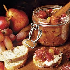 This savory chutney showcases rhubarb's natural acidity. A great accompaniment to a pork roast, chicken, or oily fish like salmon, it works equally well on a cheese board. Chutney Recipes, Jam Recipes, Canning Recipes, Wine Recipes, Rhubarb Recipes Savory, Curry Recipes, Fruit Recipes, Summer Recipes, Recipies