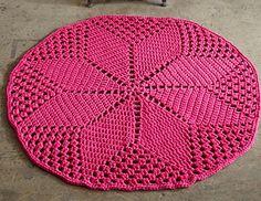 Diamond_daisy_rug ~ free pattern