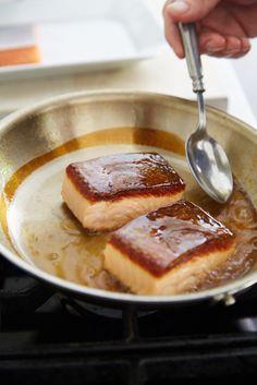 Thomas Kellers shows us how to make crispy-skinned fish.