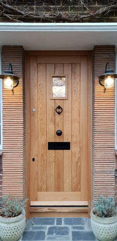 with Vision Panel -Oak Front Door with Vision Panel - Solid Oak Framed Ledge Door , No Vat! Front Door Hardware, Oak Front Door, Iron Front Door, Front Door Porch, Black Front Doors, Wooden Front Doors, Oak Doors, House Front, Stained Glass Door