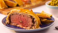 Beef Wellington is a classic of the British table but fear not: it's actually quite easy to make and a showstopper to serve. Easy Beef Wellington, Ground Beef Wellington, Beef Wellington Recipe, Wellington Food, Beef Steak Recipes, Meat Recipes, Real Food Recipes, Dinner Recipes, Cooking Recipes
