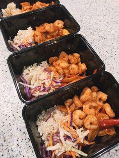 L U N C H / Shrimp Fajita Bowl