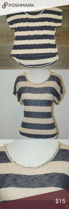 Striped Top - unbranded Striped Top - unbranded Thick stripes in dark blue and cream Loose cotton weave Lightweight, breathable Unbranded Tops