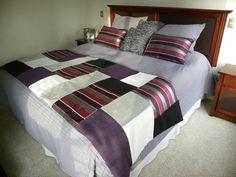 PIECERA EN TONOS MORADOS/ GRISES / NEGROS    Diseñada a pedido de la clienta .. Cama Box, Hotel Bed, Bed Runner, Beauty Room, Bed Sheets, Guest Room, Bedroom Decor, Quilts, Blanket