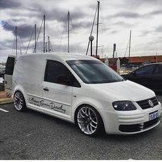 No photo description available. Volkswagen Caddy, Volkswagen Group, Vw Bus, Vw Cady, Audi Wagon, Caddy Van, Flower Car, Cool Vans, Car Brands