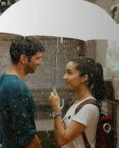 Ye Mausam ki Barish ☔☔☔☔☔☔😘😘😘@shraddhakapoor @adityaroykapur . . . . . 👉follow @sweet_shraddhakapoor 😍 . . . . . . #shraddha… Romantic Couple Images, Romantic Couples, Wedding Couples, Cute Couples, Movie Couples, Bollywood Couples, Bollywood Celebrities, Bollywood Quotes, Cute Love Couple