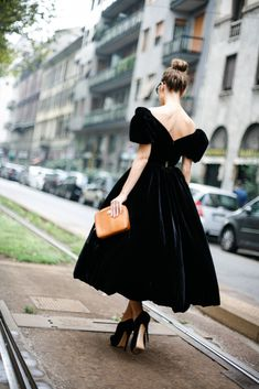 ulyana sergeenko, couture, milan, dolce and gabbana, spring, street style