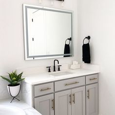 Photo by Raven's Dream Home Ceramic Tile Bathrooms, Concrete Bathroom, Vanity Countertop, Bathroom Countertops, Bathroom Inspo, Bathroom Inspiration, Master Bathroom, Home Interior Design, Interior Decorating