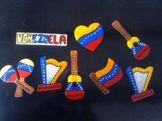 Adornos Para Neveras Artesanales Venezuela Imanes Recuerdos - Bs. 2.500,00 en MercadoLibre Hispanic Heritage, Dinosaur Party, Birthday Cupcakes, Travel Posters, Peru, Photo Booth, Unity, Arts And Crafts, Clip Art
