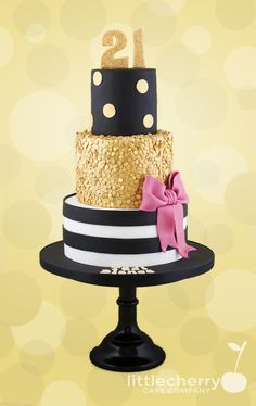 Black, white, gold and a flash of pink - Cake by Little Cherry