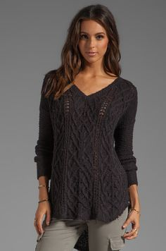 Free People Cross My Heart Sweater em Preto | REVOLVE