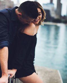 Tu y Yo....siempre....Muchos besos...(desde mi nuevo telefono, q estreno contigo......jeje...) Nena....