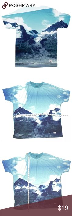 Akomplice Mens Shirt Crew Neck Glacier Tee Akomplice Mens Shirt Glacier Tee Size XXL Alaska Mountains, gently used.  A11-5-0218-09 Akomplice Shirts Tees - Short Sleeve