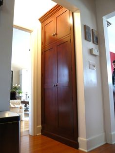 Built-in Pantry Closet : Seattle Custom Cabinetry