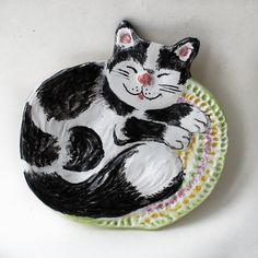 Hey, I found this really awesome Etsy listing at https://www.etsy.com/ru/listing/181717542/sleeping-black-and-white-cat-spoon-rest