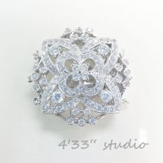 item no.:S-CL0019-3R-RH  925 SILVER (RHODIUM PLATING)  COLOR: WHITE GOLD  C.Z. STONE
