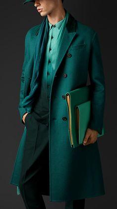 | Burberry Abrigo Chesterfield de cachemir doble con cuello de terciopelo