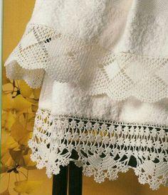 Luty Artes Crochet: Barrados com gráficos. by deann Crochet Towel, Crochet Trim, Love Crochet, Filet Crochet, Crochet Motif, Vintage Crochet, Crochet Designs, Crochet Doilies, Crochet Yarn