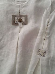 Refashion idea for plain T -- try a combo of these along the hem . Sewing Clothes, Diy Clothes, Clothes For Women, Kurta Designs, Blouse Designs, Clothing Patterns, Dress Patterns, Kurta Neck Design, Creation Couture