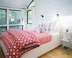 Cottage Cool - All-American Rooms in Red, White, and Blue - Lonny