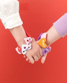 foam heart bracelet.. need to make these with scarlett
