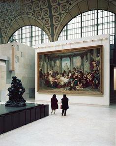 Musée d'Orsay, Paris, 1989.  Photo byThomas Struth  (Romains de la Décadence -- Thomas Couture)