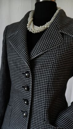90s vintage EMANUEL UNGARO Parallele Paris linen mini windowpane  B&W skirt suit: US size 10/Fr 40 on Etsy, $115.  Wish people dressed like this nowadays!