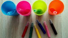Porządkowanie pisaków do odpowiednich kubków zgodnie z kolorem.