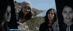 """Trini Kwan (Becky G) and Kimberly Hart (Naomi Scott) bonding in """"Power Rangers"""" (2017)"""